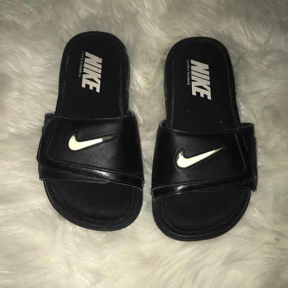 the best attitude 35399 63ee7 Black Nike Slippers